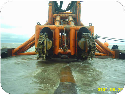 Pipeline Trenching: Subtrench One over Pipeline in Very Shallow Water. Click to go back.